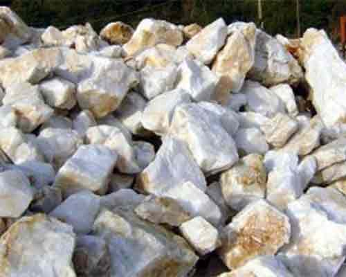 Quartz material for crushing