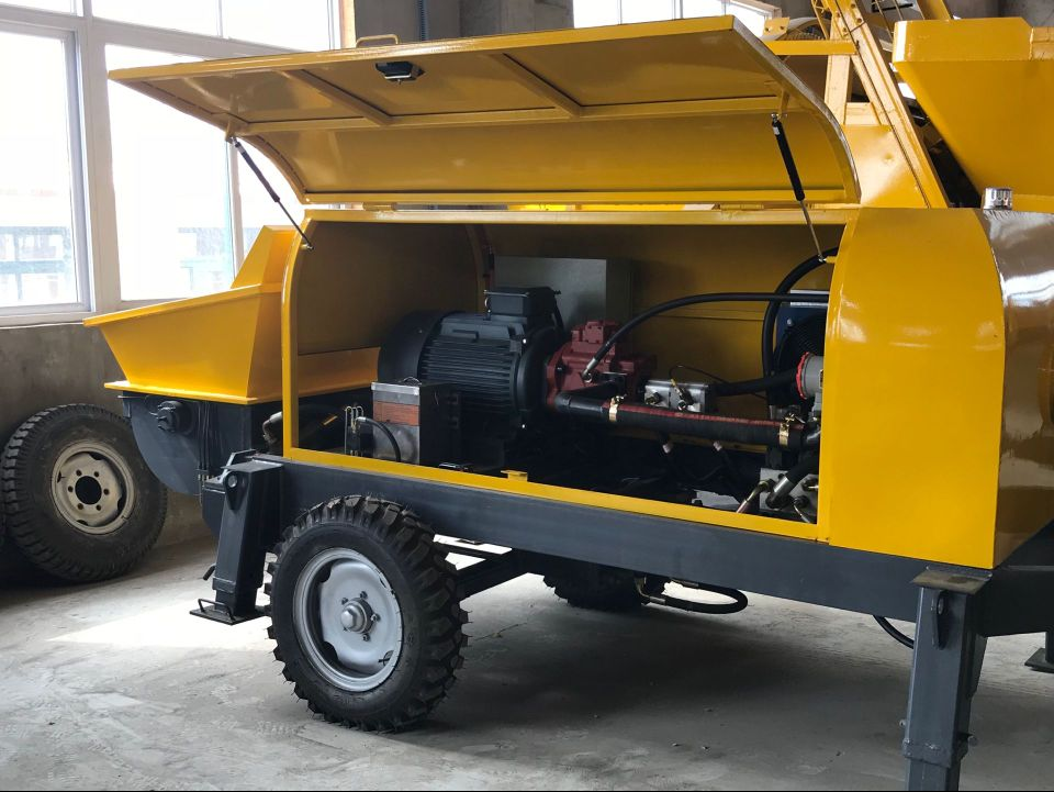 We have Arranged the Shipment of One Set of Diesel Concrete Pump and One Wheel Loader to Kazakh